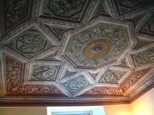 44A-soffitto-affrescato-sala-palazzo-privato