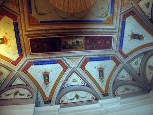 49A-affresco-soffitto-con-decorazioni-a-grottesche-palazzo-privato