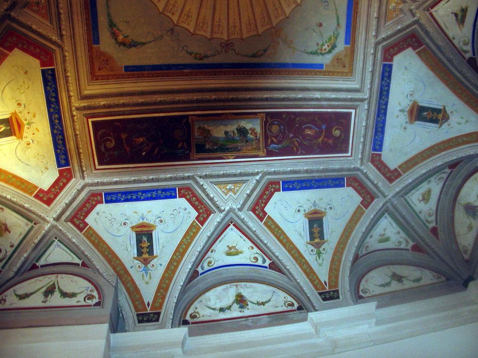 Affresco soffitto con decorazioni a grottesche palazzo - Decorazioni grottesche ...