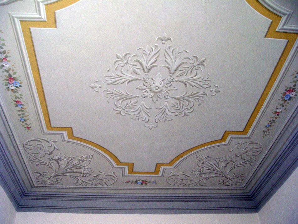 Soffitti decorati classico grottesche ispirazione di for Mobili dipinti di design